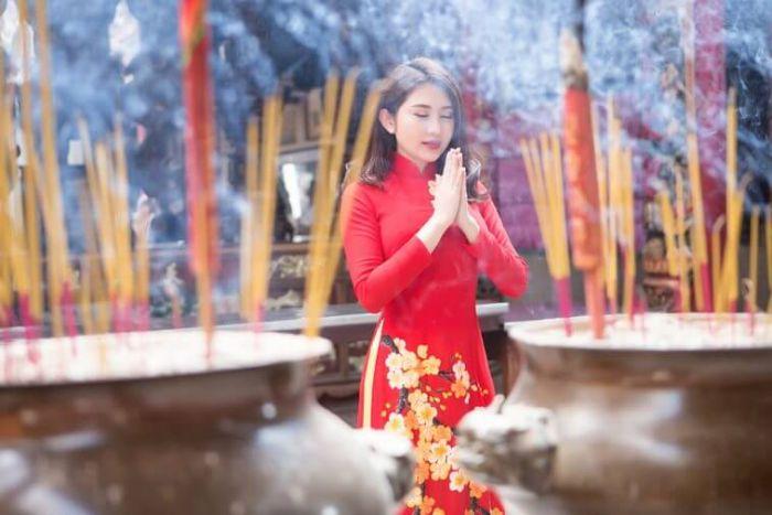 Giải mã giấc mơ thấy đi chùa giúp tìm ra con số may mắn