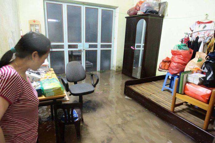 Chiêm bao thấy nước tràn vào nhà là nước cống hãy đánh cặp số 11 - 30 để có cơ hội phát tài