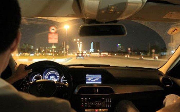 Mộng thấy lái xe ô tô vào buổi tối chọn ngay các số 12 - 86 - 35