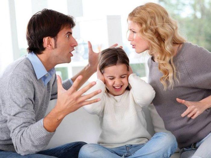 Nằm ngủ thấy bố mẹ cãi nhau cho thấy bạn có một gia đình không êm ấm như bề ngoài