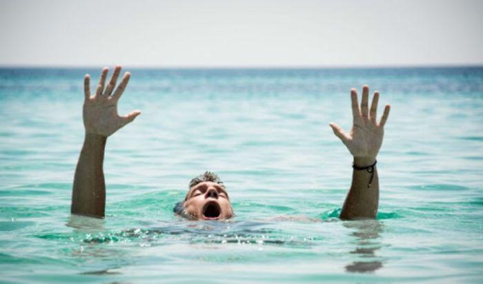 Mơ thấy bạn thân tắm sông chết đuối là một điềm báo tốt