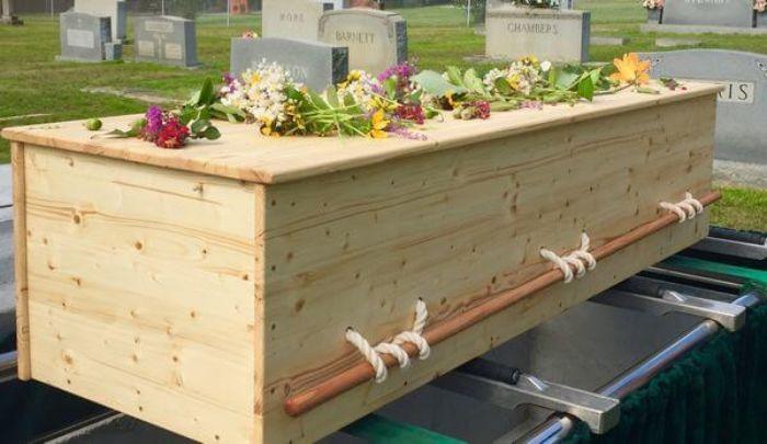 Mơ thấy chiếc quan tài để bên cạnh mộ