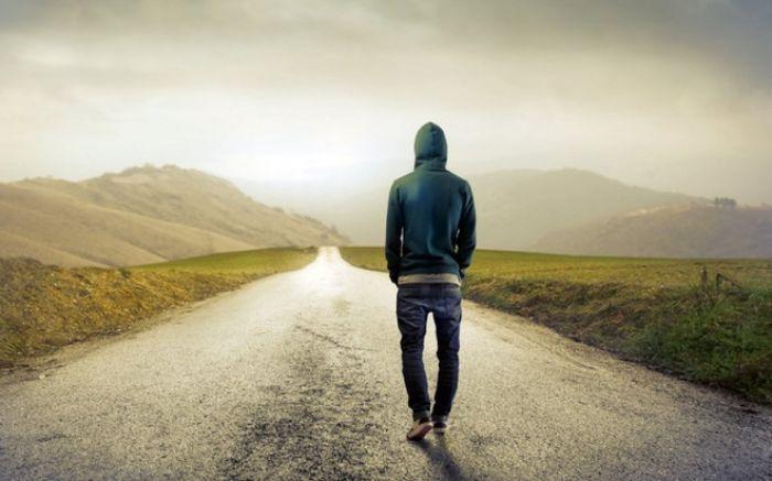Nằm mơ thấy chồng bỏ nhà ra đi là điềm báo ở thực tại hai bạn đang có những hiểu lầm khó giải quyết