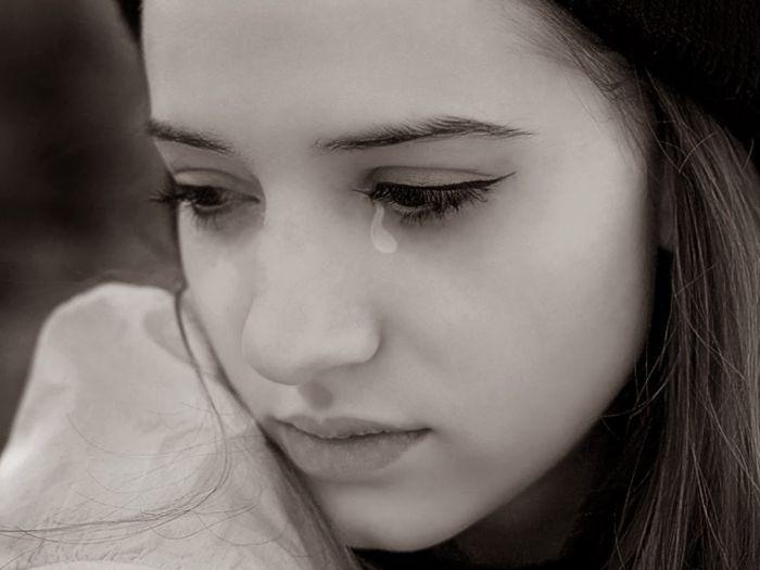 Khi nằm mơ thấy bản thân khóc đôi khi là cách để giải tỏa tâm lý đã bị dồn nén lâu ngày