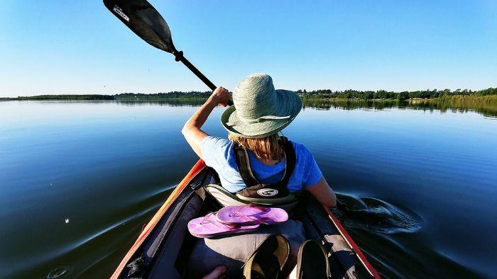 Nằm mơ thấy đi thuyền trên sông lớn là hoàn toàn bình thường