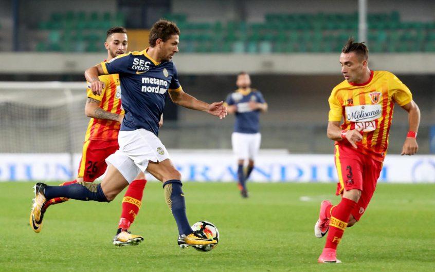 Soi kèo Verona vs Benevento lúc 2h45 ngày 3/11/2020