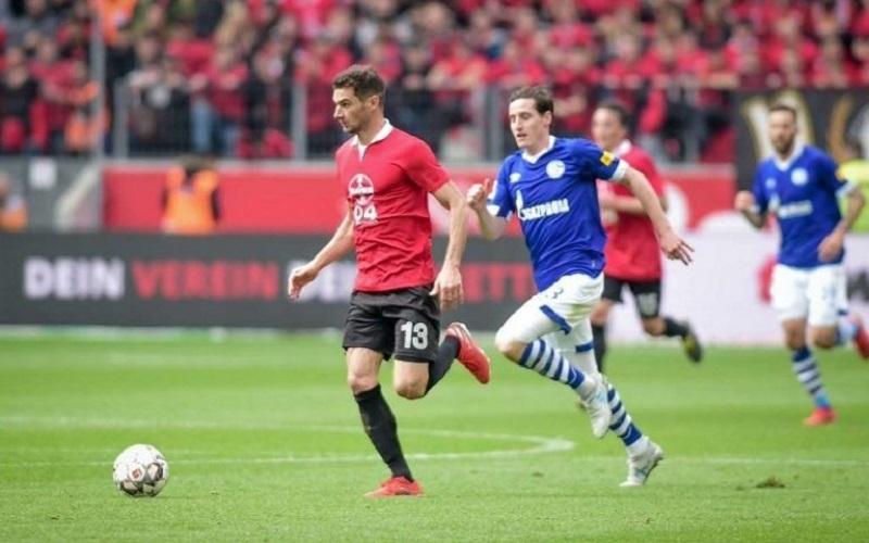 Soi kèo Schalke vs Leverkusen lúc 00h00 ngày 7/12/2020
