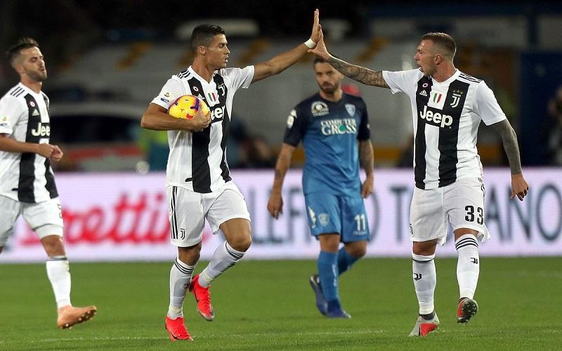 Soi kèo Juventus vs Atalanta lúc 00h30 ngày 17/12/2020