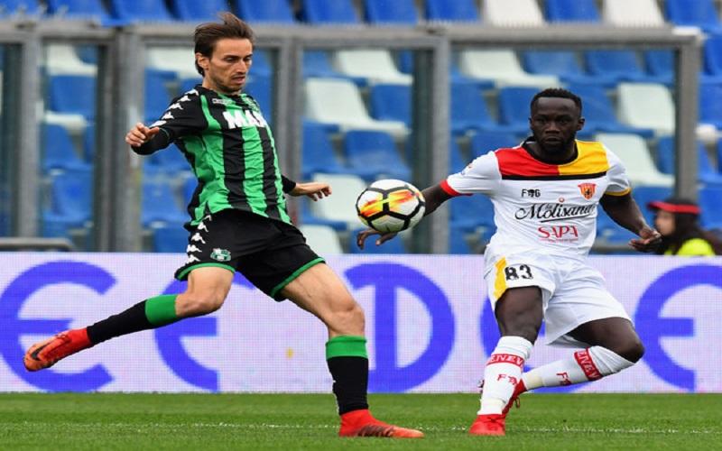 Soi kèo Sassuolo vs Benevento lúc 02h45 ngày 12/12/2020