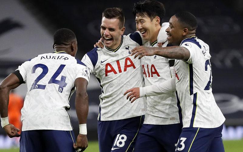Soi kèo Stoke vs Tottenham lúc 00h30 ngày 24/12/2020