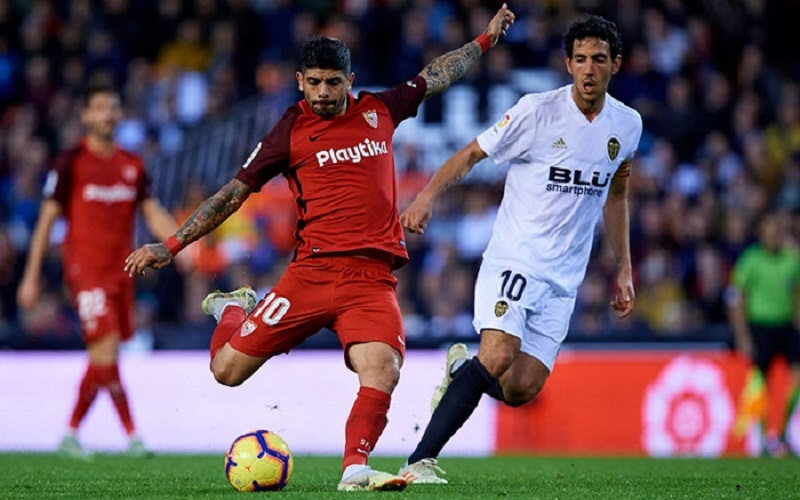 Soi kèo Valencia vs Sevilla lúc 23h30 ngày 22/12/2020
