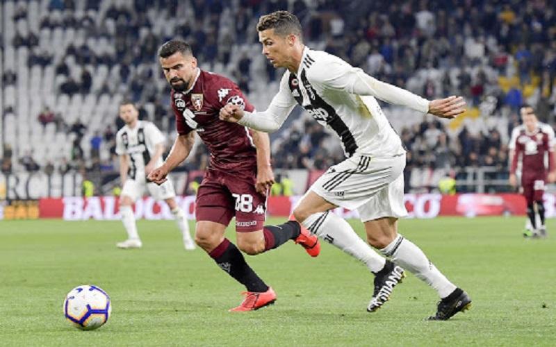 Soi kèo Juventus vs Torino lúc 00h00 ngày 6/12/2020