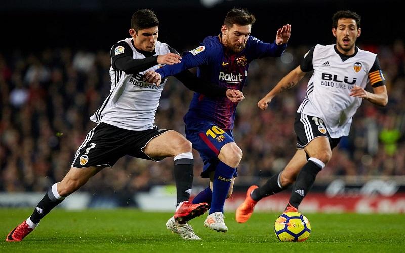 Soi kèo Barcelona vs Valencia lúc 22h15 ngày 19/12/2020