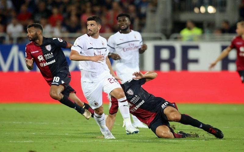 Soi kèo Cagliari vs Milan lúc 02h45 ngày 19/1/2021