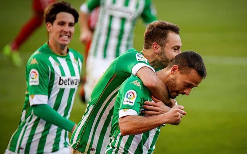 Soi kèo Huesca vs Betis lúc 3h00 ngày 12/1/2021