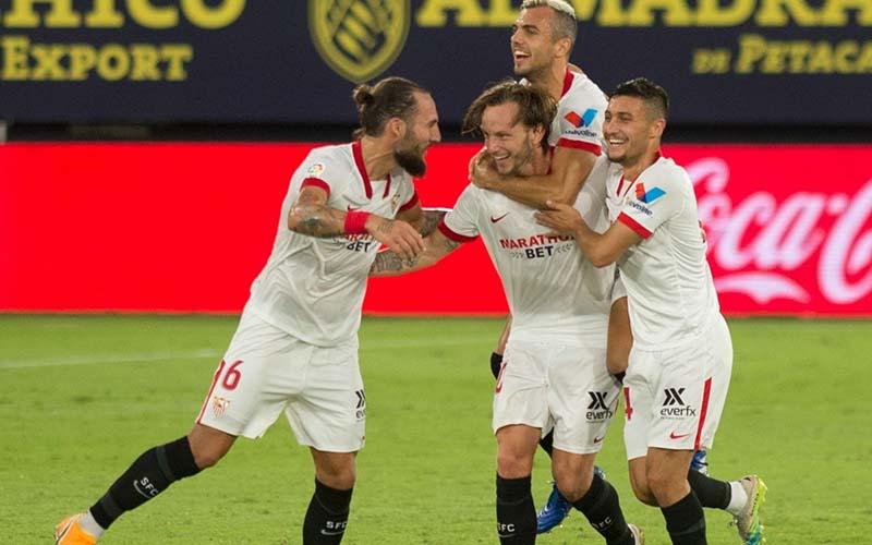 Soi kèo Sevilla vs Cadiz lúc 22h15 ngày 23/1/2021