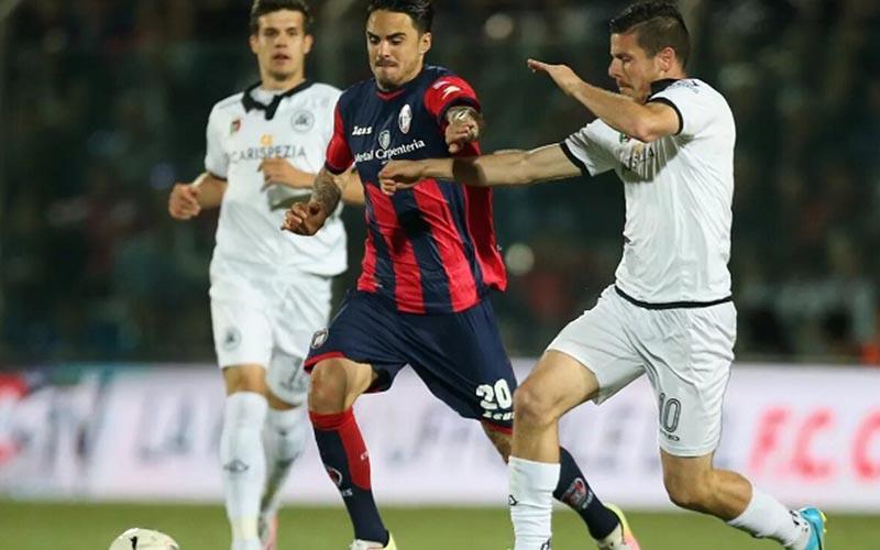 Soi kèo Torino vs Spezia lúc 0h00 ngày 17/1/2021