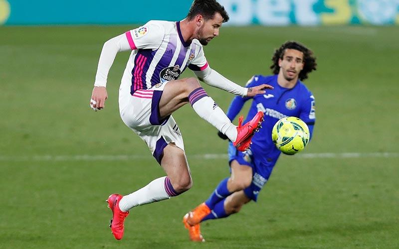 Soi kèo Valladolid vs Valencia lúc 3h00 ngày 11/1/2021