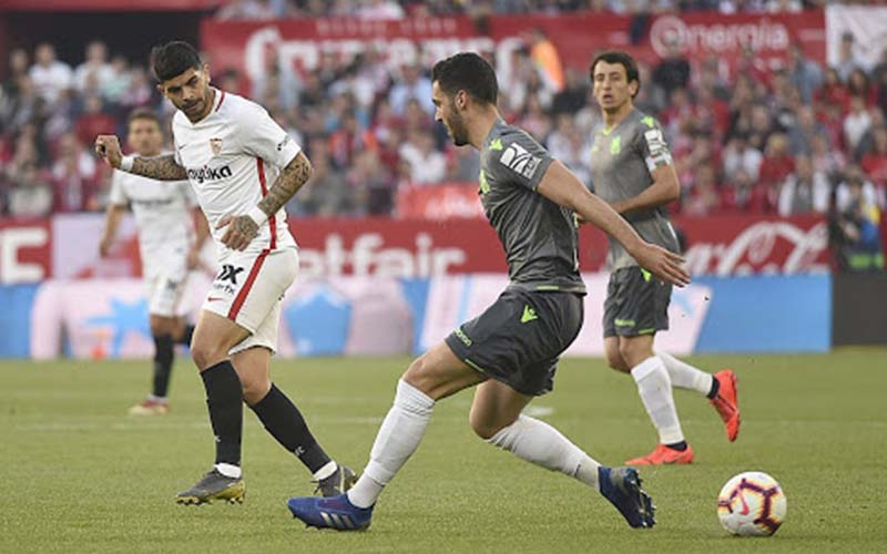 Soi kèo Sevilla vs Sociedad lúc 20h00 ngày 9/1/2021