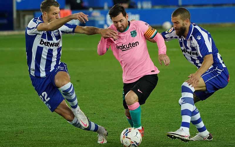 Soi kèo Barcelona vs Alaves lúc 3h00 ngày 14/2/2021