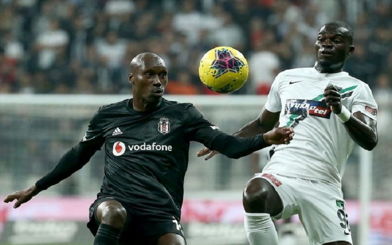 Soi kèo Besiktas vs Denizlispor lúc 22h59 ngày 26/2/2021