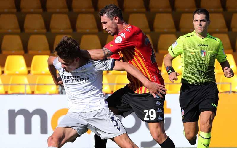 Soi kèo Bologna vs Benevento lúc 2h45 ngày 13/2/2021