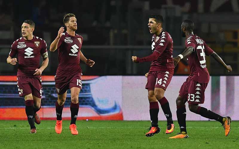 Soi kèo Cagliari vs Torino lúc 2h45 ngày 20/2/2021