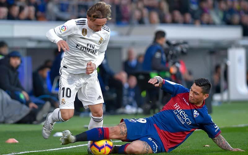 Soi kèo Huesca vs Real Madrid lúc 22h15 ngày 6/2/2021