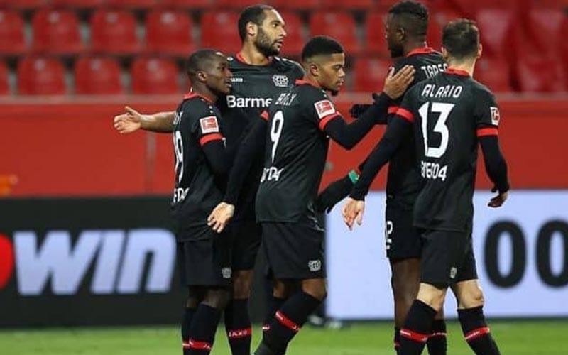 Soi kèo Leverkusen vs Young Boys lúc 3h00 ngày 26/2/2021