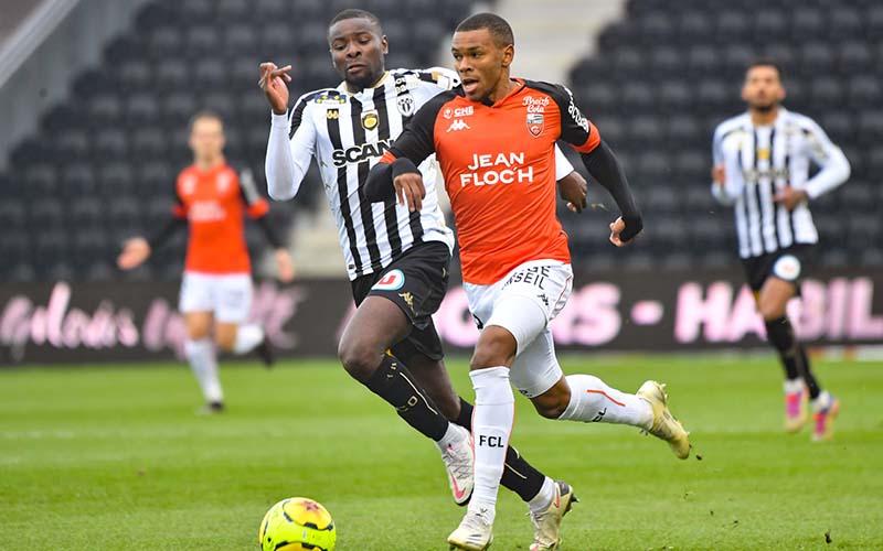 Soi kèo Nimes vs Lorient lúc 1h00 ngày 25/2/2021