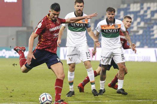 Soi kèo Venezia vs Reggiana lúc 3h00 ngày 2/3/2021