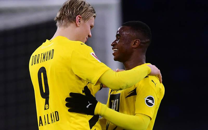 Soi kèo Dortmund vs Hertha Berlin lúc 0h30 ngày 14/3/2021