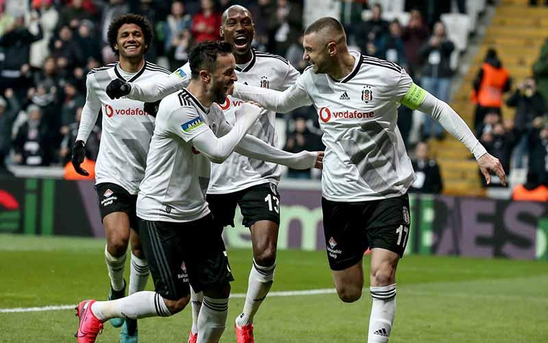Soi kèo Istanbul vs Besiktas lúc 23h00 ngày 12/3/2021