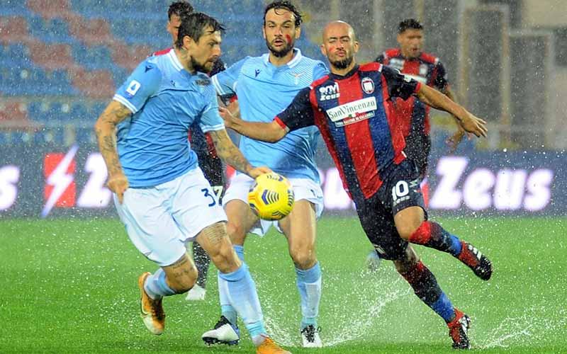 Soi kèo Lazio vs Crotone lúc 21h00 ngày 12/3/2021
