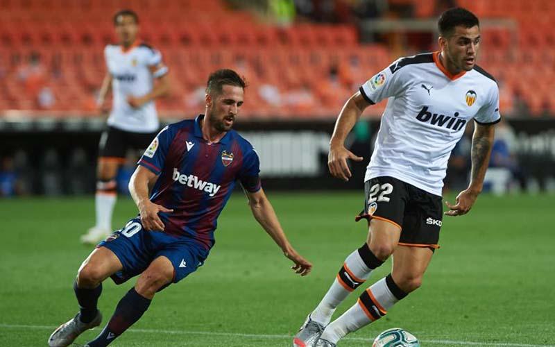 Soi kèo Levante vs Valencia lúc 3h00 ngày 13/3/2021