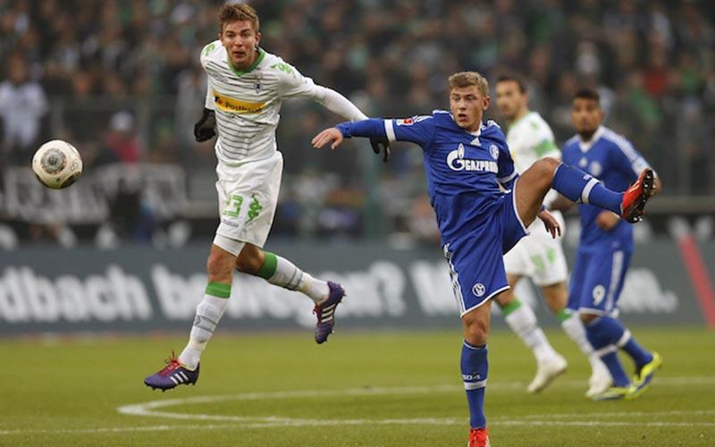 Soi kèo Schalke vs Gladbach lúc 0h30 ngày 21/3/2021