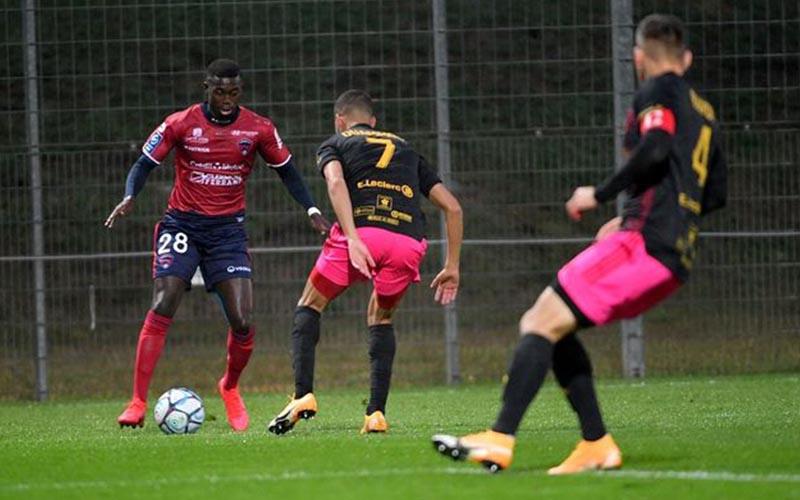 Soi kèo Clermont vs Amiens lúc 0h00 ngày 15/4/2021