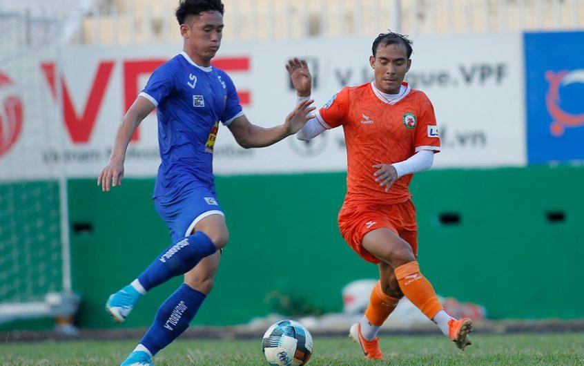 Soi kèo Hà Nội vs Bình Định lúc 19h15 ngày 28/4/2021