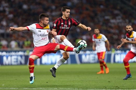 Soi kèo Milan vs Benevento lúc 01h45 ngày 2/5/2021