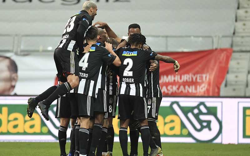 Soi kèo Sivasspor vs Besiktas lúc 23h00 ngày 20/4/2021