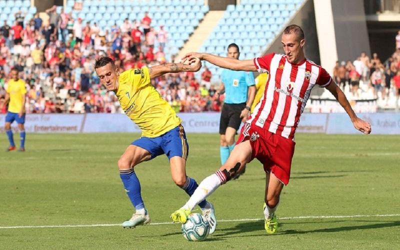 Soi kèo Malaga vs Girona lúc 00h00 ngày 21/5/2021