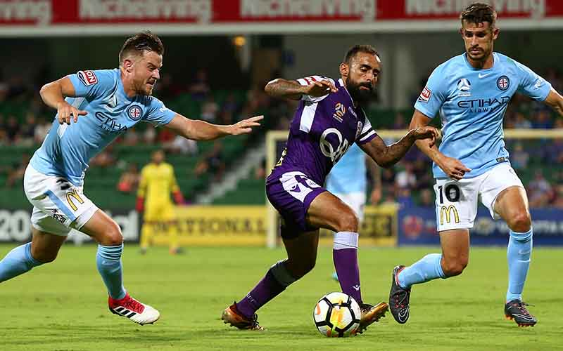 Soi kèo Perth Glory vs Melbourne City lúc 18h20 ngày 5/5/2021