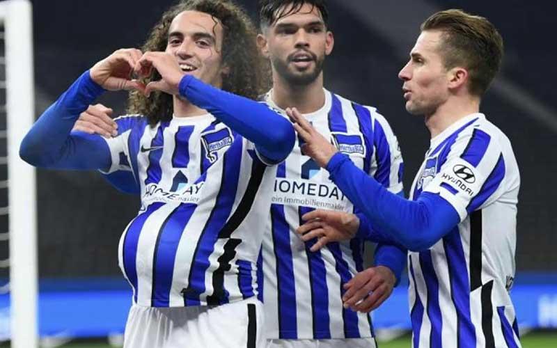 Soi kèo Schalke vs Hertha Berlin lúc 23h00 ngày 12/5/2021