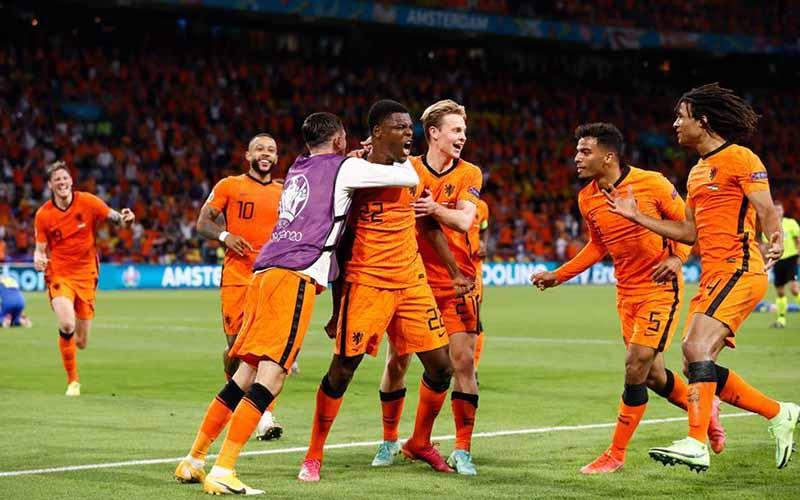 Soi kèo Hà Lan vs Séc lúc 23h00 ngày 27/6/2021