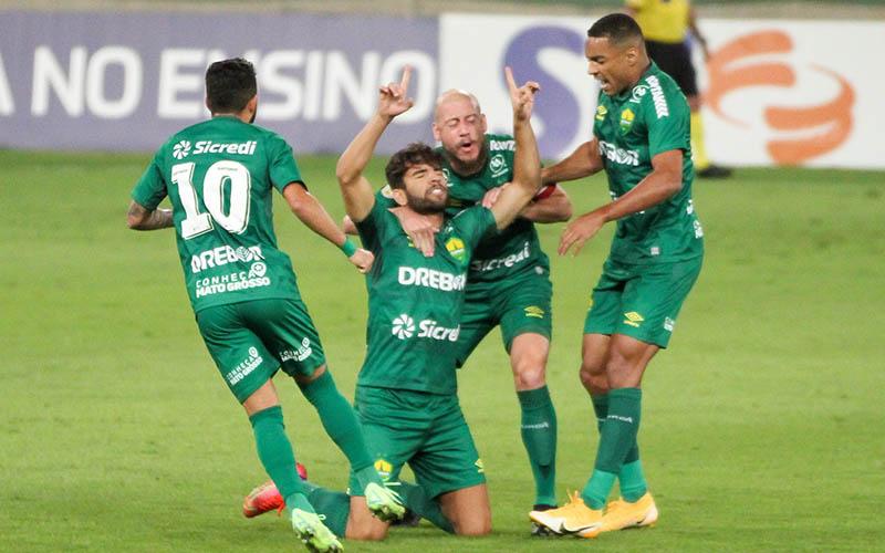 Soi kèo Cuiaba vs Corinthians lúc 6h00 ngày 27/7/2021