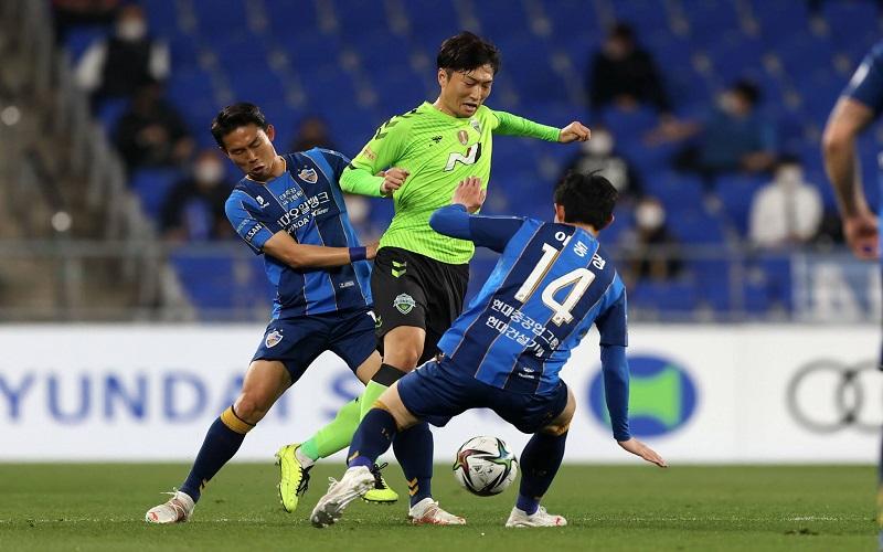 Soi kèo Beijing Guoan vs Changchun Yatai lúc 19h30 ngày 12/8/2021
