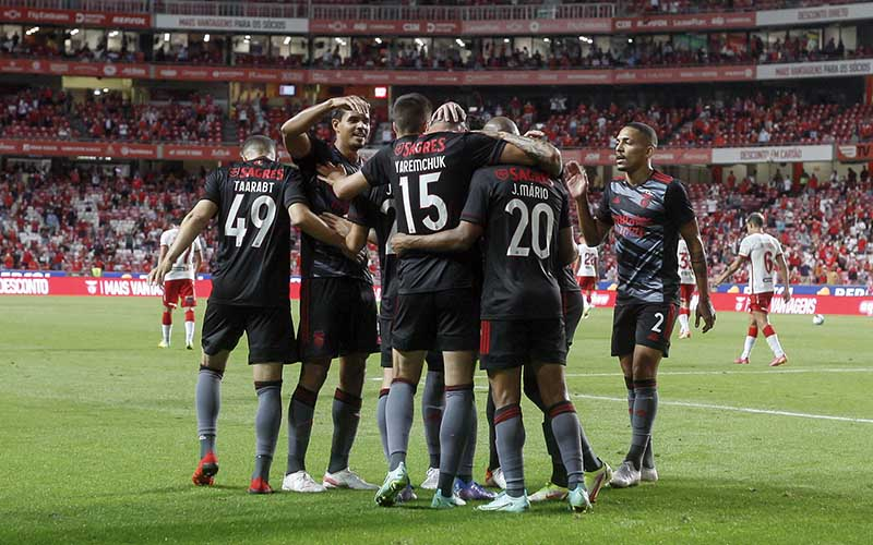Soi kèo Benfica vs PSV lúc 2h00 ngày 19/8/2021