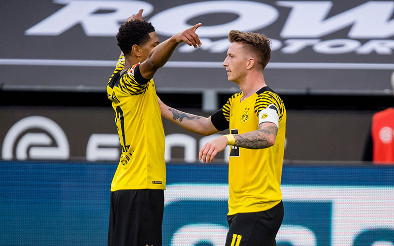 Soi kèo Dortmund vs Bayern lúc 1h30 ngày 18/8/2021