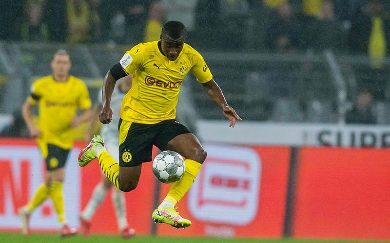 Soi kèo Freiburg vs Dortmund lúc 20h30 ngày 21/8/2021