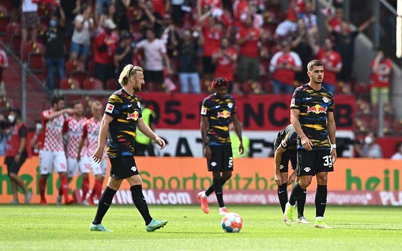 Soi kèo Leipzig vs Stuttgart lúc 1h30 ngày 21/8/2021